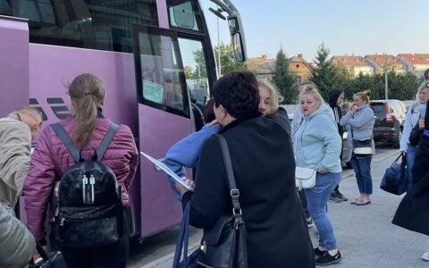 Спеціально організований автобус для студентів Slovak Education